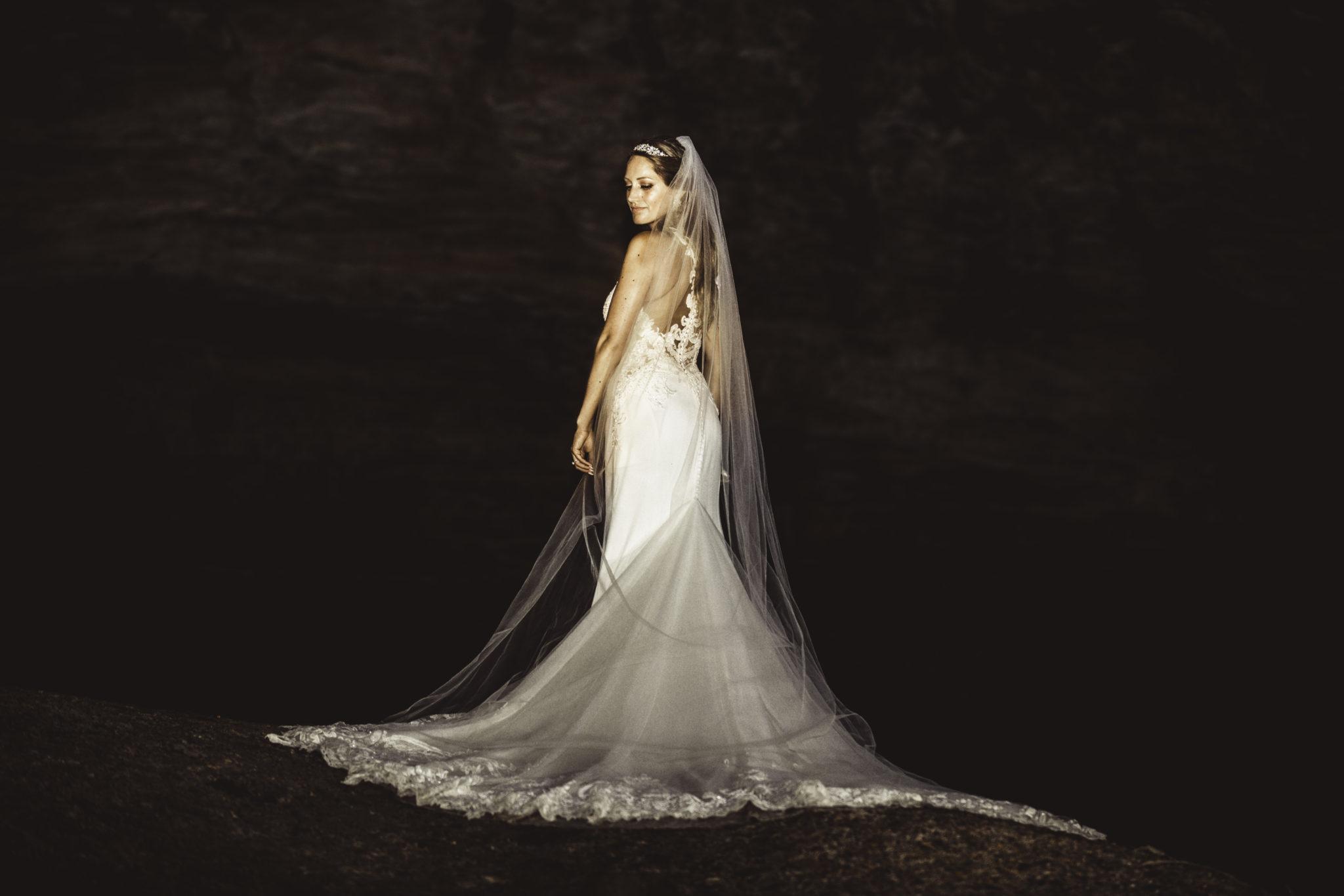 Bride's Wedding Dress @Starved Rock Cliffs
